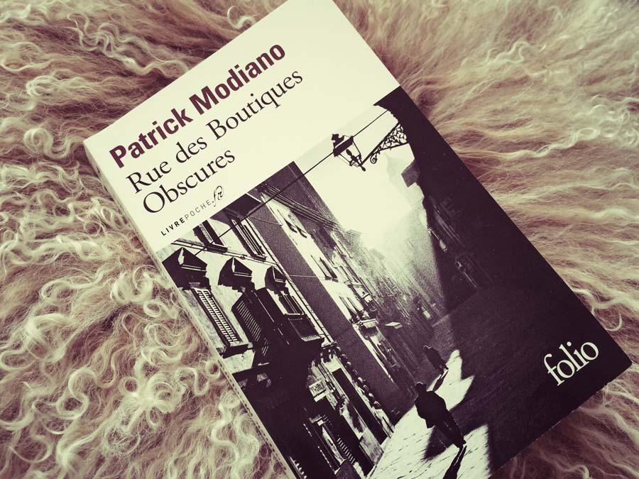 Rue des Boutiques Obscures de Patrick Modiano par Livrepoche.Fr
